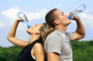 Beim Sport genug trinken
