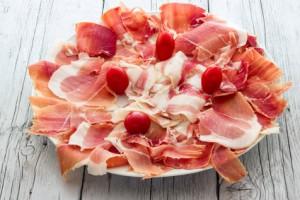 Spanische Pizza mit Iberico Schinken